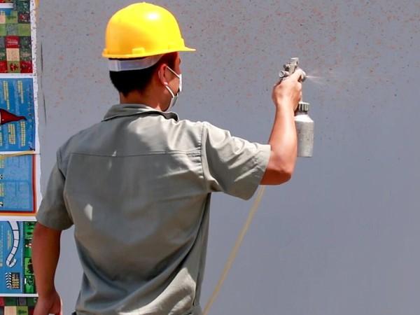 多彩水包砂施工过程中,为什么容易出现流挂现象?